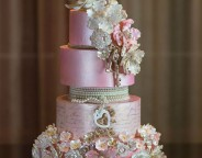 9 wedding cakes with the wow factor 2